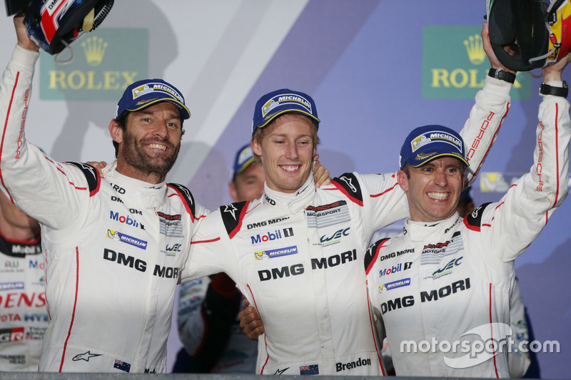 Podium: Race winners #1 Porsche Team Porsche 919 Hybrid: Mark Webber, Brendon Hartley, Timo Bernhard