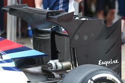 Williams FW38, neuer Heckflügel