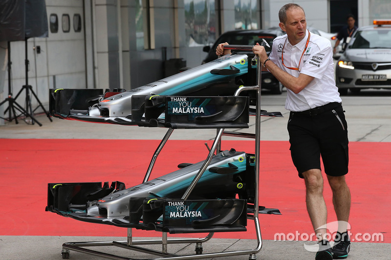 Mercedes AMG F1 W08 front wings