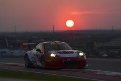 #58 Wright Motorsports Porsche 911 GT3 R: Patrick Long, Jörg Bergmeister