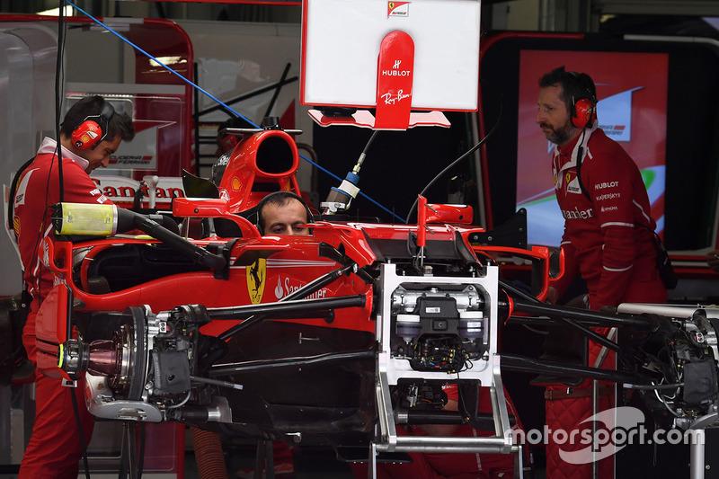Ferrari SF70H detalle del chasis y frenos delanteros