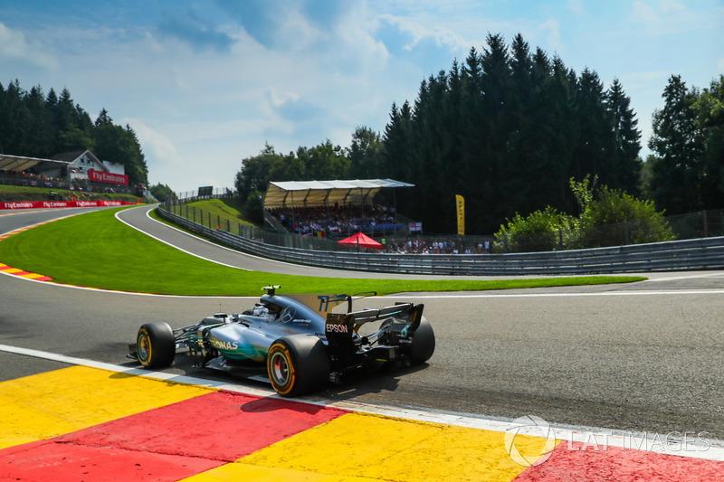 No retorno às atividades, fechou o GP da Bélgica em quinto lugar, atrás de Hamilton, das duas Ferrari e de Daniel Ricciardo, da Red Bull.