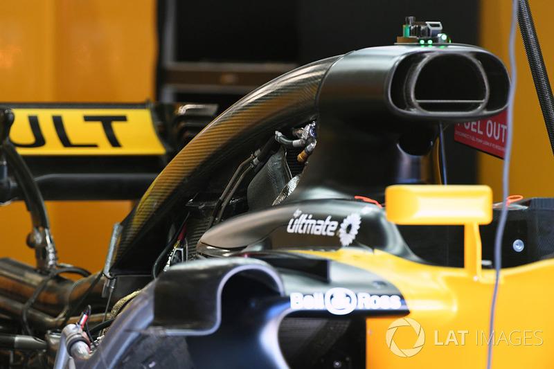 Детали центральной части Renault R.S.17