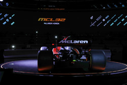 McLaren MCL32 tanıtılıyor