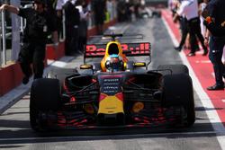 Daniel Ricciardo, Red Bull Racing RB13 en parc ferme
