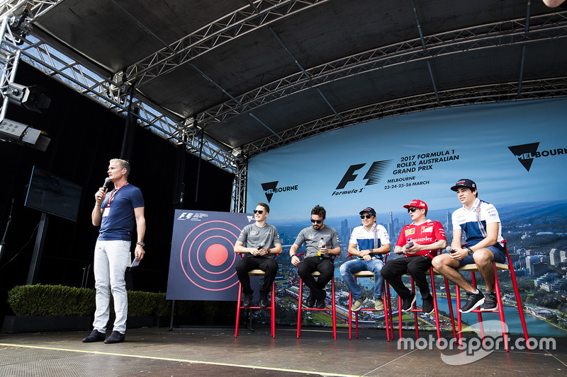 David Coulthard mit Stoffel Vandoorne, McLaren; Fernando Alonso, McLaren; Felipe Massa, Williams; Kimi Räikkönen, Ferrari; Lance Stroll, Williams