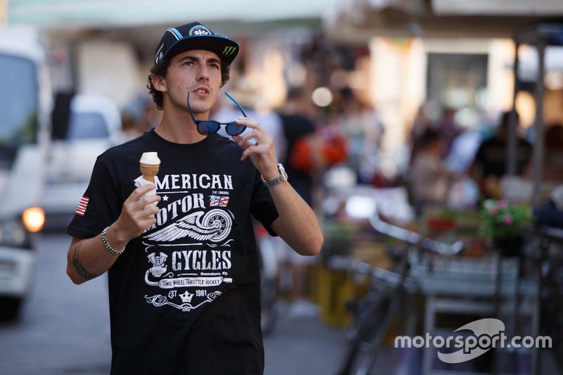 Francesco Bagnaia mit T-Shirt von Nicky Hayden