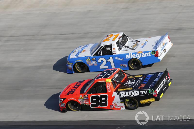 Grant Enfinger, ThorSport Racing, Toyota; Johnny Sauter, GMS Racing, Chevrolet