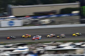 Jamie McMurray, Chip Ganassi Racing, Chevrolet Camaro McDonald's/Cessna, Chris Buescher, JTG Daugherty Racing, Chevrolet Camaro Slim Jim