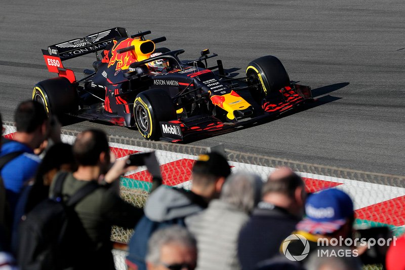 Max Verstappen, Red Bull Racing RB15, con dei tifosi