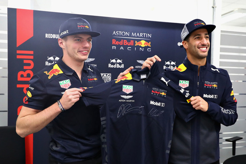 Daniel Ricciardo, Red Bull Racing and Max Verstappen, Red Bull Racing pose for a photo