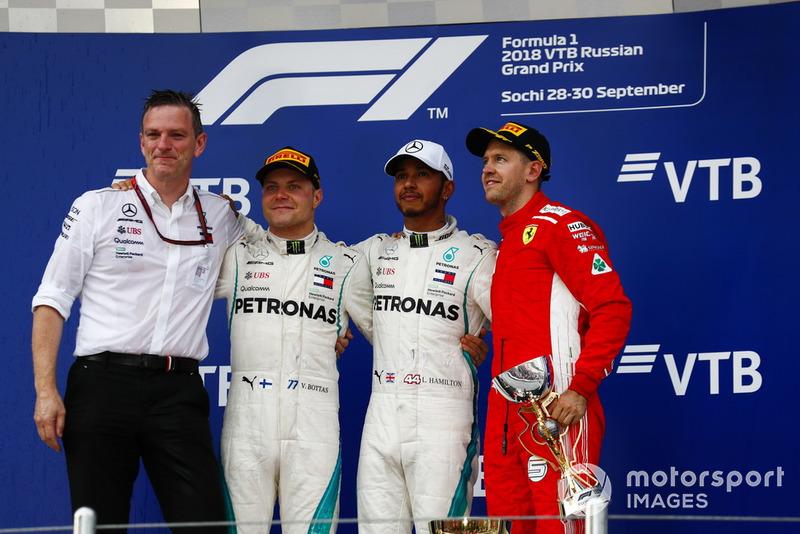16. GP Rusia - Podium: Lewis Hamilton, Valtteri Bottas, Sebastian Vettel