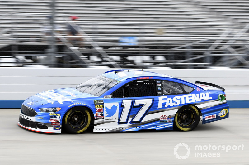 21. Ricky Stenhouse Jr., Roush Fenway Racing, Ford Fusion Fastenal