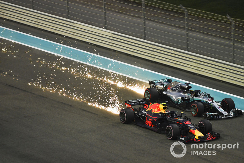 Max Verstappen, Red Bull Racing RB14 y Lewis Hamilton, Mercedes-AMG F1 W09