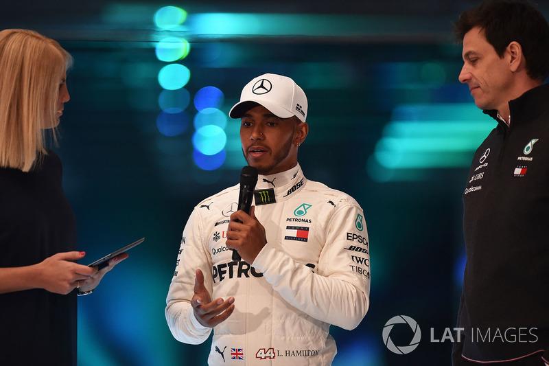Lewis Hamilton en Toto Wolff