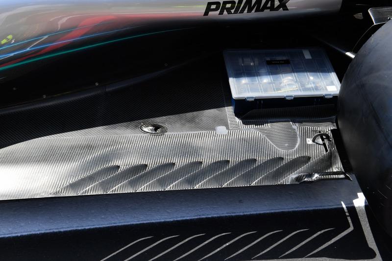 Mercedes-AMG F1 W09, padlólemez, részlet
