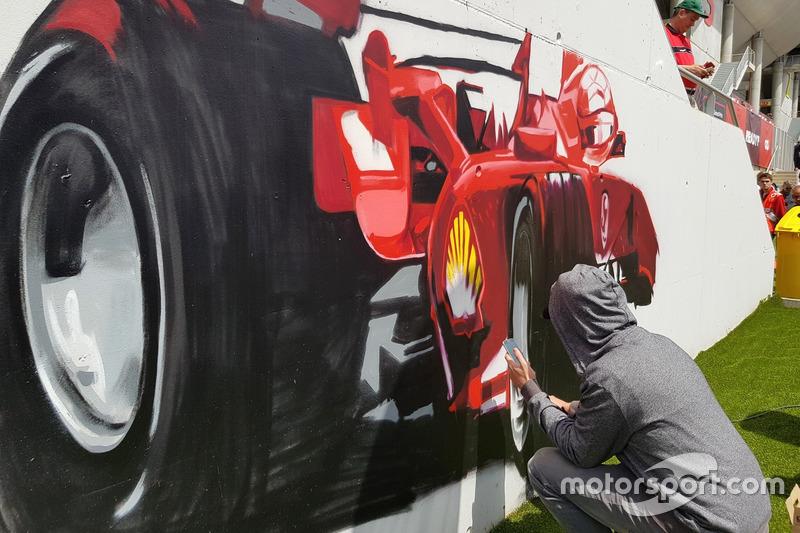 Sokak sanatı ve F1'in birleştiği resimler