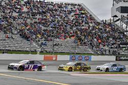 Denny Hamlin, Joe Gibbs Racing Toyota, Brad Keselowski, Team Penske Ford, Kyle Larson, Chip Ganassi Racing Chevrolet