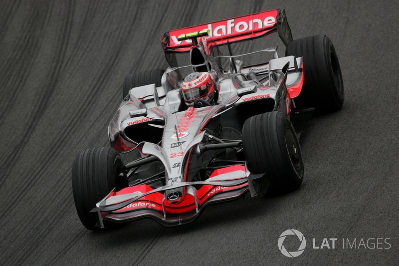 2008: McLaren MP4-23 Mercedes (шесть побед, 2-е место в КК)