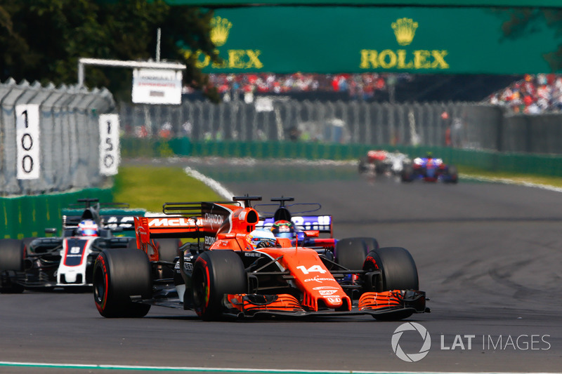Fernando Alonso, McLaren MCL32, Brendon Hartley, Scuderia Toro Rosso STR12, Romain Grosjean, Haas F1 Team VF-17