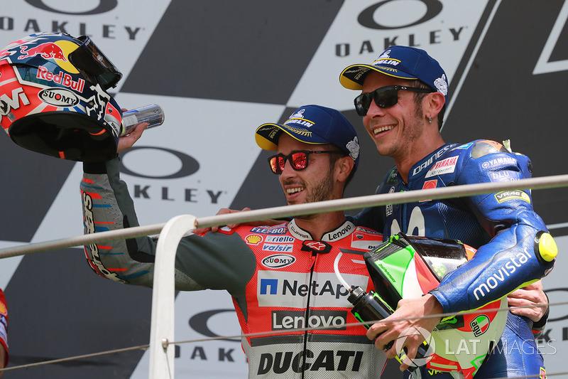 Podio: il secondo classificato Andrea Dovizioso, Ducati Team, il terzo classificato Valentino Rossi, Yamaha Factory Racing