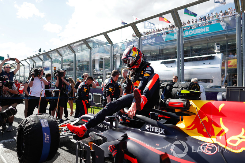 Max Verstappen, Red Bull Racing RB14 Tag Heuer, getting out of his car