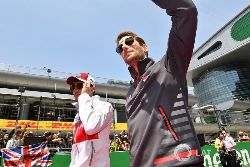Charles Leclerc, Sauber e Romain Grosjean, Haas F1 nella drivers parade