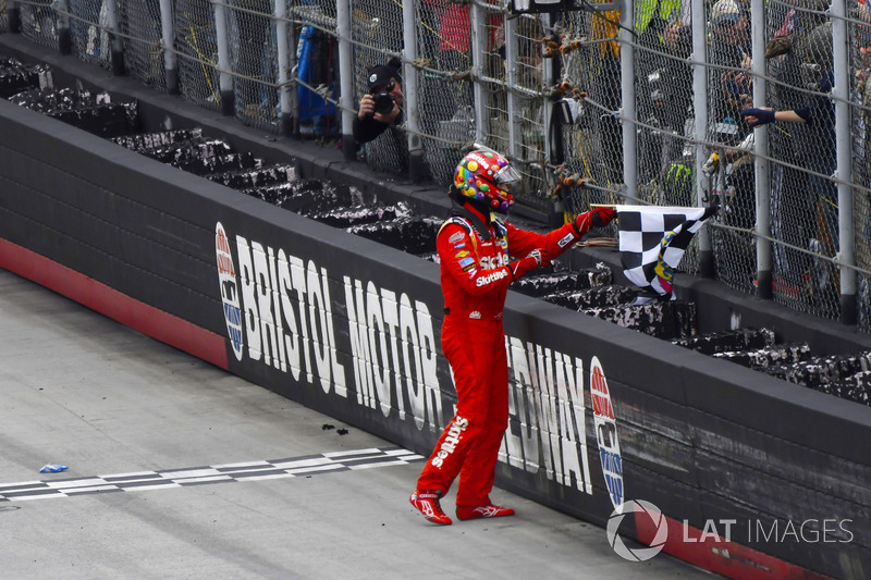 Ganador, Kyle Busch, Joe Gibbs Racing