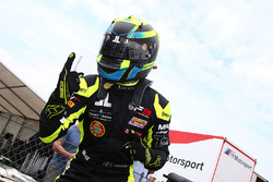 Race winner Linus Lundqvist, Double R