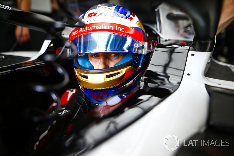 Romain Grosjean, Haas F1 Team, en el cockpit