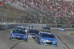 Jimmie Johnson, Hendrick Motorsports Chevrolet, Kyle Larson, Chip Ganassi Racing Chevrolet