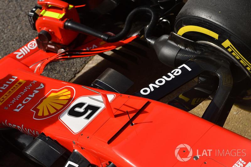 Носовой обтекатель и передняя подвеска Ferrari SF71H