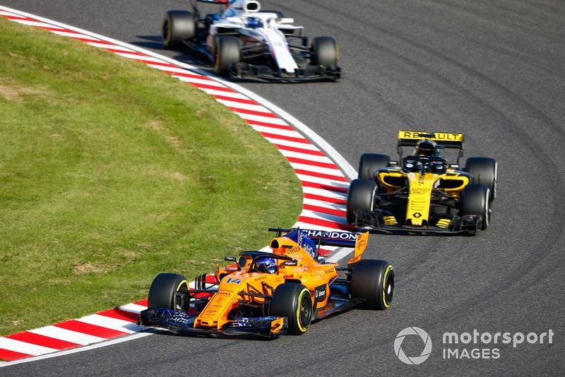 Fernando Alonso, McLaren MCL33, Nico Hulkenberg, Renault Sport F1 Team R.S. 18, y Lance Stroll, Williams FW41