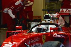 Sebastian Vettel, Ferrari SF16-H con la cubierta de la cabina de halo