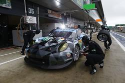 #77 Dempsey Proton Competition Porsche 911 RSR: Richard Lietz, Michael Christensen pit stop