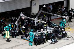 Льюїс Хемілтон, Mercedes AMG F1 W07 Hybrid робить піт-стоп