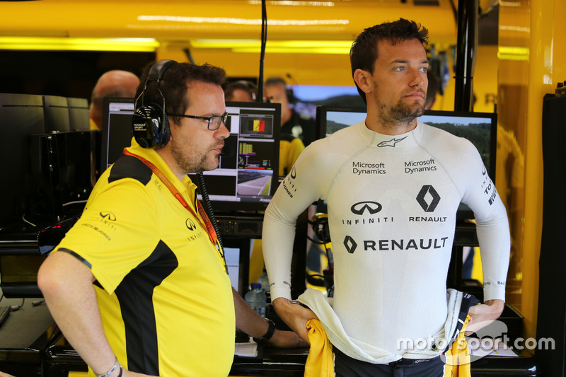 Jolyon Palmer, Renault Sport F1 Team con Julien Simon-Chautemps, Renault Sport F1 Team Race Engineer