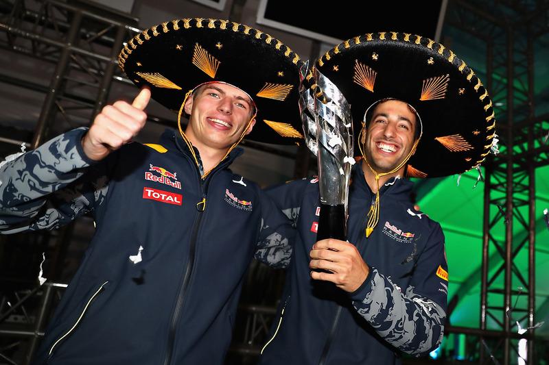 المنصة: المركز الثالث دانيال ريكاردو، ريد بُل وماكس فيرشتابن، ريد بُل