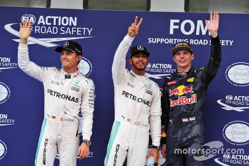 Polesitter Lewis Hamilton, Mercedes AMG F1 Team; 2. Nico Rosberg, Mercedes AMG F1 Team; 3. Max Verst