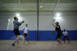 Marco Wittmann e Philipp Eng, giocano a Beachvolleyball Indoor