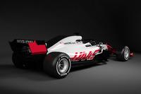 Haas F1 Team 2018 renk düzeni