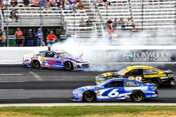 Crash: A.J. Allmendinger, JTG Daugherty Racing, Chevrolet Camaro Kroger ClickList