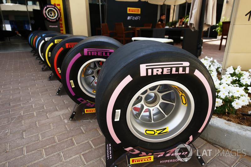 La nueva gama de neumáticos Pirelli de F1 para 2018, con el hiperblando rosa en primer plano
