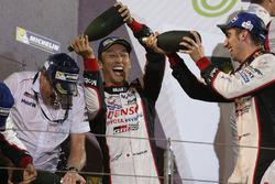 Podium LMP1: race winners Sébastien Buemi, Kazuki Nakajima, Toyota Gazoo Racing