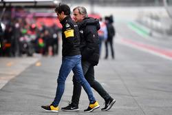 Carlos Sainz Jr., Renault Sport F1 Team con su padre Carlos Sainz