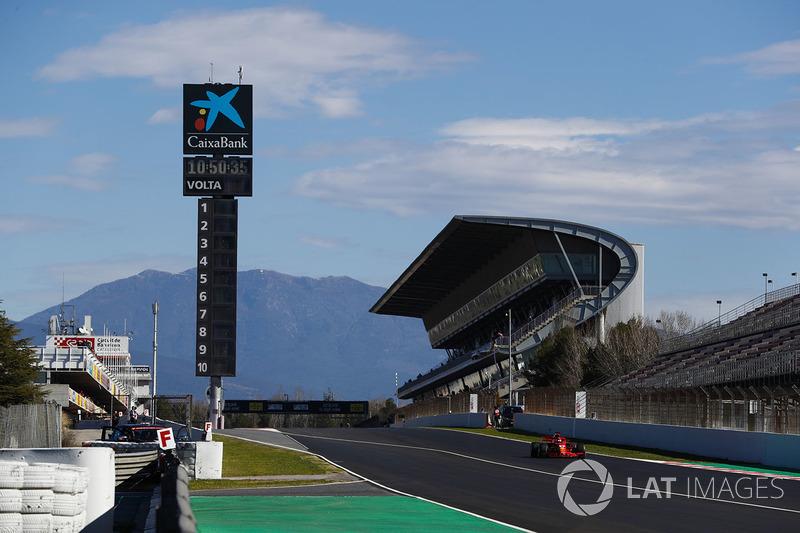 A segunda parte dos testes de pré-temporada da F1 voltou nesta terça-feira em Barcelona.