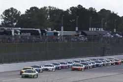 Dale Earnhardt Jr., Hendrick Motorsports Chevrolet, führt