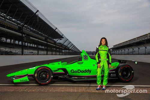 Presentación del auto de Danica Patrick para Indy 500