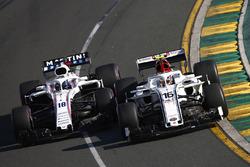Charles Leclerc, Sauber C37 Ferrari, en lutte avec Lance Stroll, Williams FW41 Mercedes
