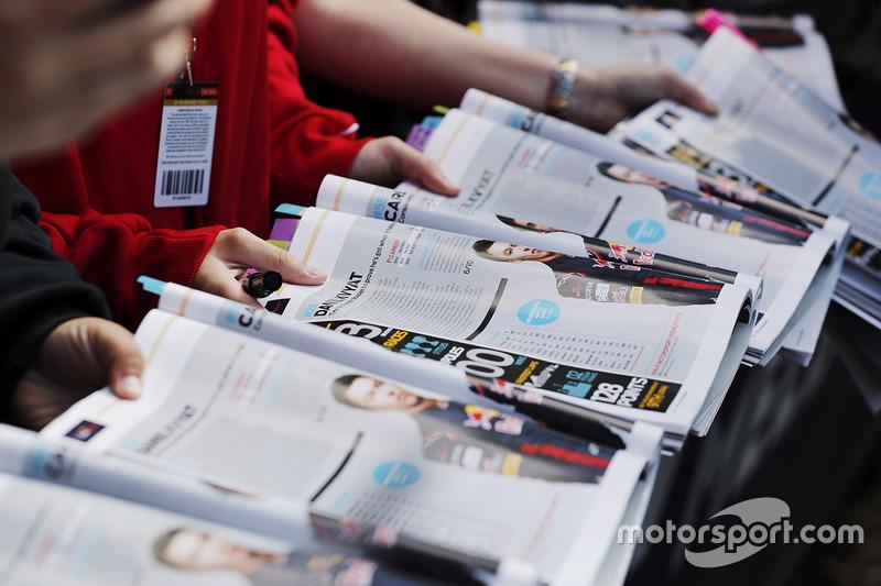Fans programas actuales para ser firmado por los conductores